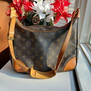 Louis Vuitton boulogne shoulder bag